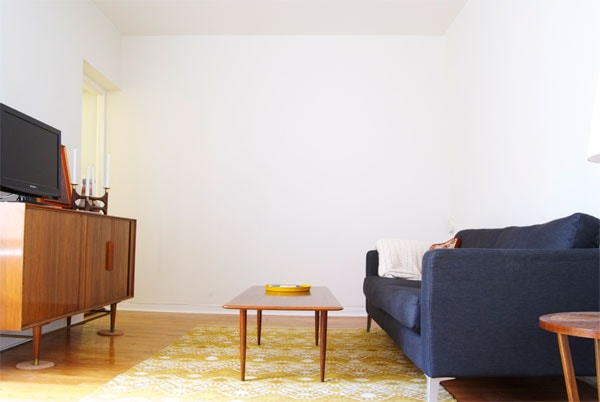 Blank Walls And Art Manhattan Nest Empty Living Room