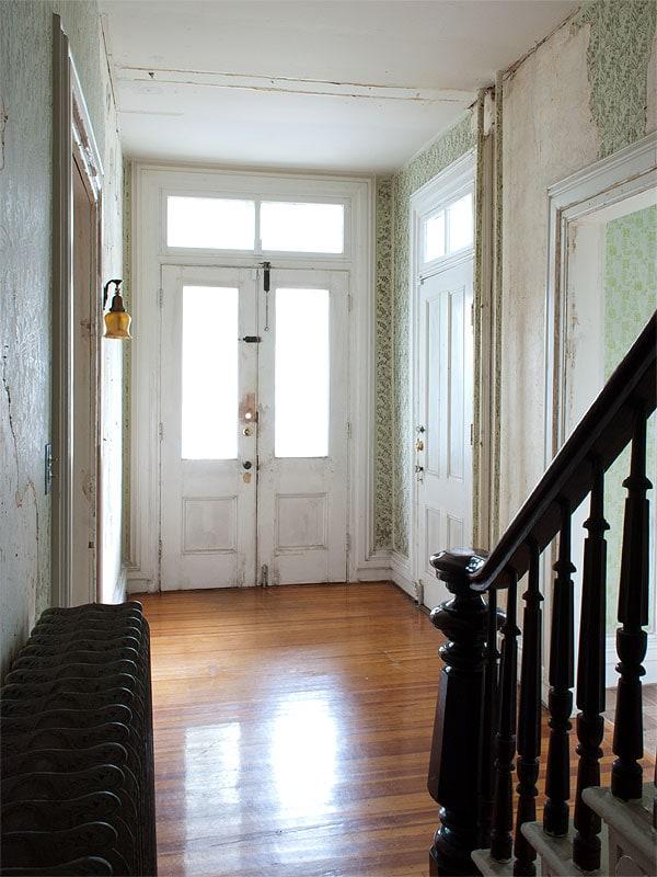 entrywaywide