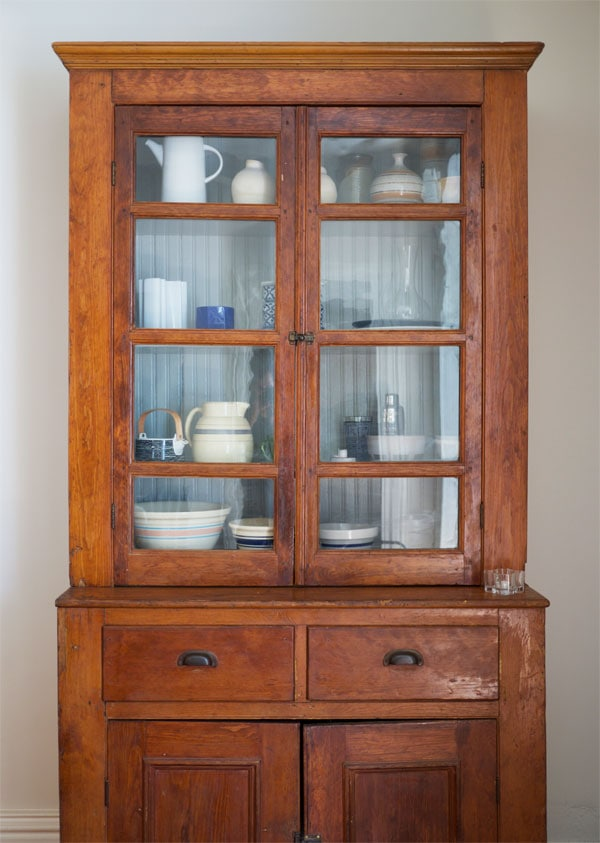 Quick & Easy Projects: The Dining Room Hutch. | Manhattan Nest